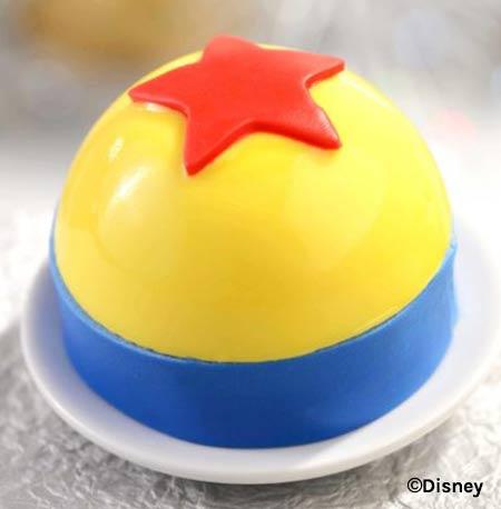 Luxo Ball Cake - Disney's Hollywood Studios 30th Anniversary Treats | Mouse Memos Disney Blog