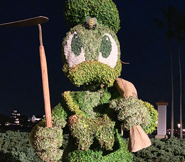 Donald Duck Topiary 2019 Epcot Flower and Garden Festival Topiaries | Mouse Memos Disney Blog