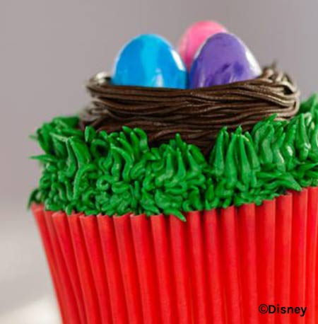 Easter Treats at Walt Disney World Resort: Easter Egg Cupcake | Mouse Memos Disney Blog