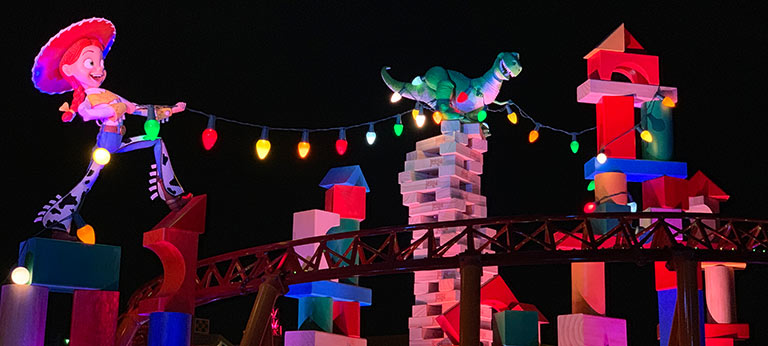 Slinky Dog Dash at Night - Guide to Toy Story Land | Mouse Memos Disney Blog