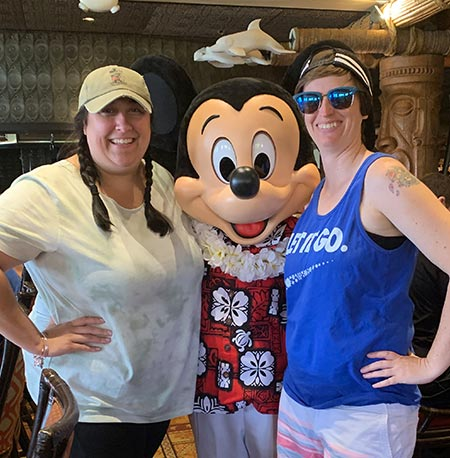 Meeting Mickey Mouse at 'Ohana Breakfast Disney's Polynesian Village Resort | Mouse Memos Disney Blog