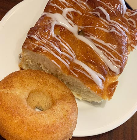 'Ohana Bread & Vegan Donut - 'Ohana Breakfast Disney's Polynesian Village Resort | Mouse Memos Disney Blog