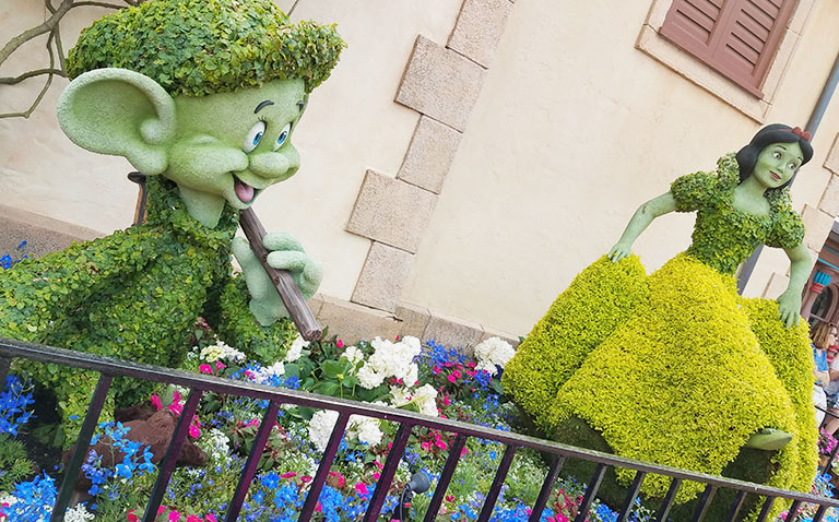 Snow White Topiary 2019 Epcot Flower and Garden Festival Topiaries | Mouse Memos Disney Blog
