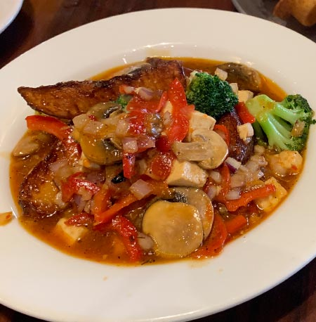 Vegan Stir Fry Breakfast 'Ohana Style - 'Ohana Breakfast Disney's Polynesian Village Resort | Mouse Memos Disney Blog